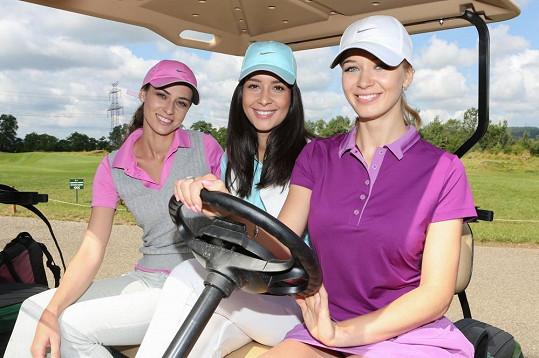 Holky asi nejvíc z celého dne bavila jízda v elektrickém golfovém vozítku.