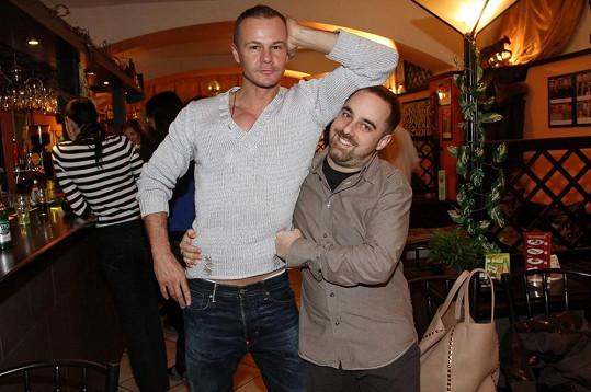Braňo Polák a Petr Kutheil se objevili na křtu vína herce Lubomíra Lipského a baviče Petra Novotného.
