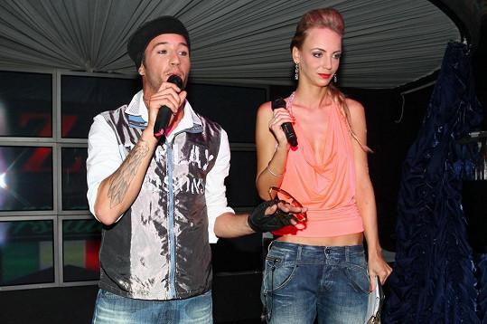Sámer s režisérkou klipu Ivannou Benšovou.