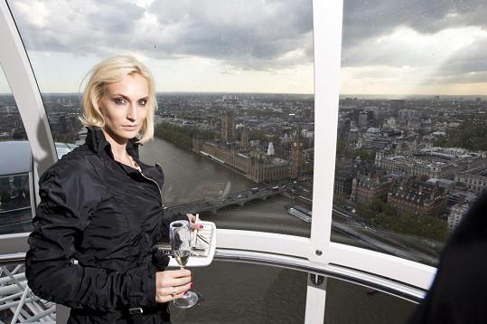 Bára na vyhlídce na London Eye