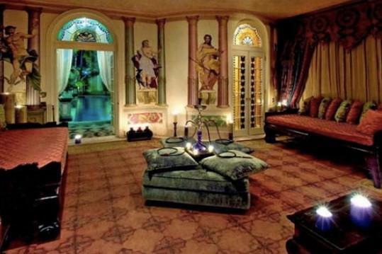 Mnohým nemusí honosné řešení interiéru sednout.