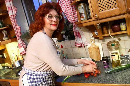 Saskia Burešová předvede divákům, jaká je kuchařka.