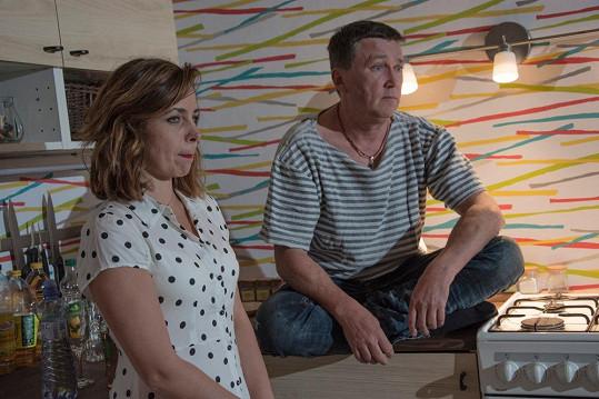 Jejího filmového manžela hraje Martin Sitta.