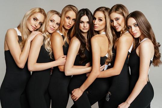 Přesto čtyři z nich odletí na světové soutěže krásy.