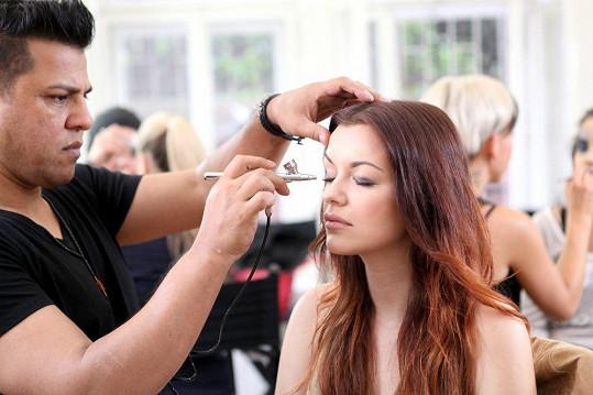 Českou Miss 2010 si vzal do parády vizážista.