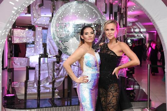 Kromě Evy byly na plese i další známé tváře jako Jitka Kocurová, Monika Bagárová či Nela Slováková.