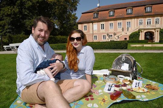 Tomáš Hauptvogel s manželkou a prvorozenou dcerkou