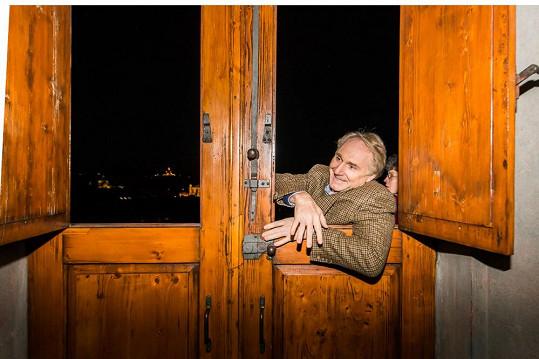 Autor známých světových bestsellerů Dan Brown se bojí výšek.