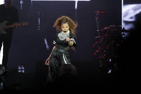 Janet to na koncertě pořádně rozjela.