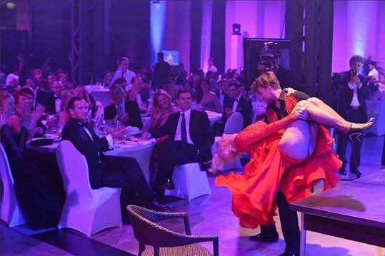 Anna Polívková a Michal Kurtiš to roztočili na společenské akci Ples jako Brno.