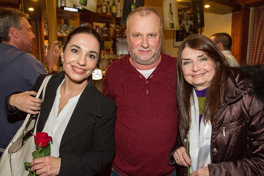 Duety nazpíval taky s Miluškou Voborníkovou a Michaelou Kuklovou.