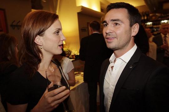 Čerstvý ženáč Biser Arichtev bude v První republice režírovat svou ženu Veroniku, ale i Míšu Maurerovou.