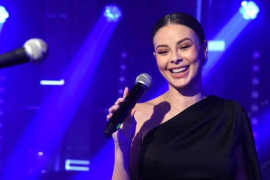 Monika Bagárová vystupovala na brněnském plese.