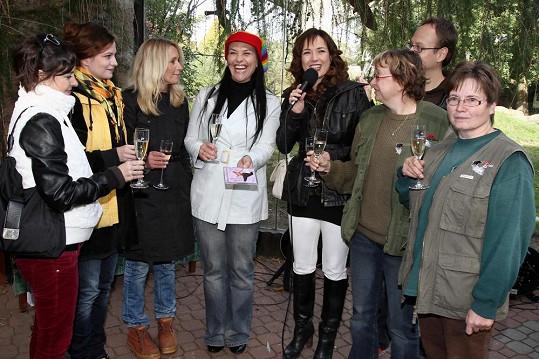 Tereza s hvězdami Cest domů pokřtila geparda, surikaty i nové album Jany Rychterové.