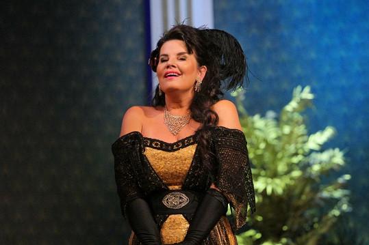 Jako hraběnka na páteční premiéře v ústeckém divadle v Čardášové princezně