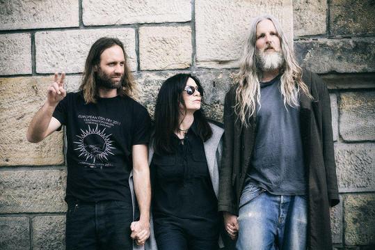 Anna K. s členy kapely Reef