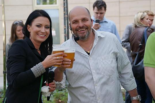 Grilované speciality se zapíjely čepovaným pivem.