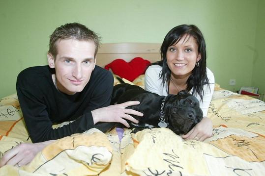 Manželé spolu mají syna Olivera, kvůli němu žijí pořád ve společné domácnosti.