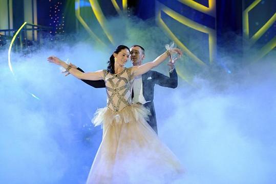 Šárka Kašpárková a Jan Tománek zatančili waltz.