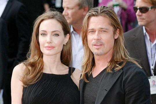 Brad Pitt s Angelinou na premiéře v Londýně