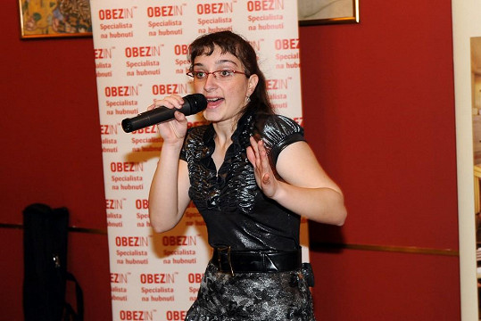 Katka zpívala s částečným zápalem pro věc.