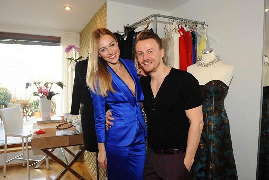 Českou Miss 2006 opět obléká návrhář Lukáš Lindner.