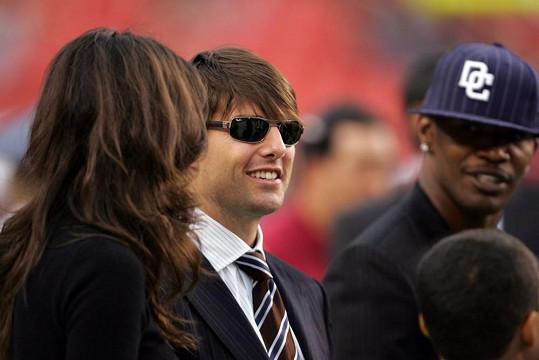 Katie na snímku z roku 2006 s exmanželem Tomem Cruisem a jeho kamarádem Jamiem Foxxem, o němž se hovoří jako o hereččině možné nové lásce.
