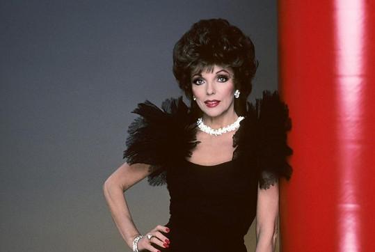 Joan Collins ve své nejslavnější roli.