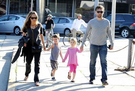Tobey Maguire s manželkou a dětmi