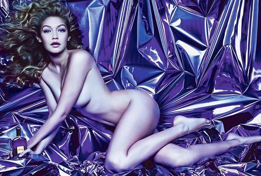 Gigi jako tvář parfému Velvet Orchid