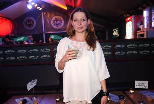 Gabriela Míčová na pivařku nevypadá.
