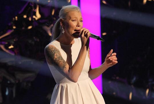 Při zpěvu vypadáme všichni chvílemi nemožně.
