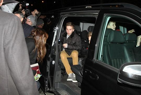 Rodina Beckhamových vždy způsobí velký rozruch.