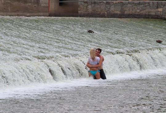 Voda příjemně chladila.