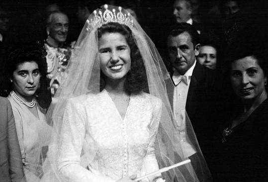Vévodkyně ve 21 letech ve svatebním...