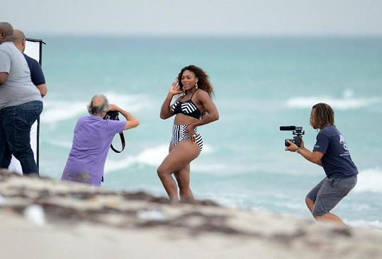 Slavná tenistka pózovala na pláži v Miami.