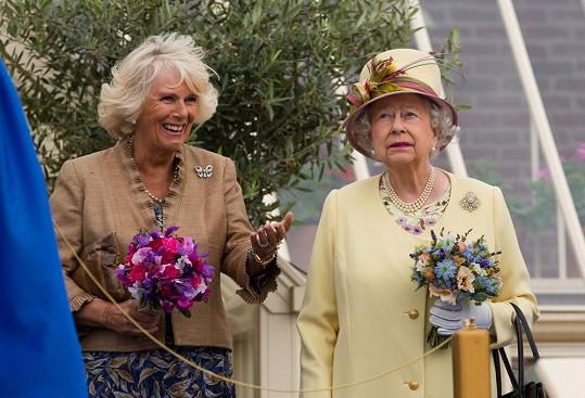 Vévodkyně Camilla se snažila, ale královnu Alžbětu II. si nikdy nezískala.