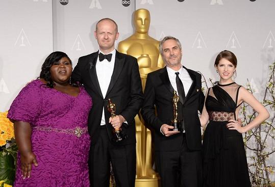Gabourey Sidibe se střihačem Markem Sangerem, režisérem Alfonsem Cuarónem a herečkou Annou Kendrick