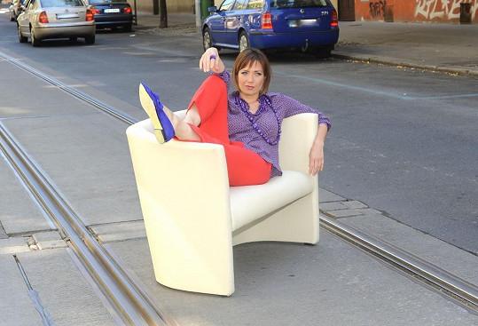 Tereza Kostková na chvíli zablokovala dopravu.