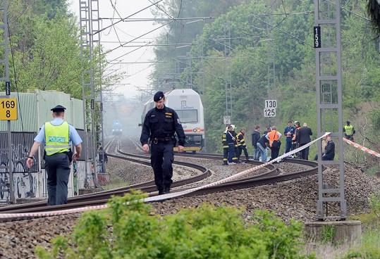 Na tomto místě zpěvačka skočila pod vlak.