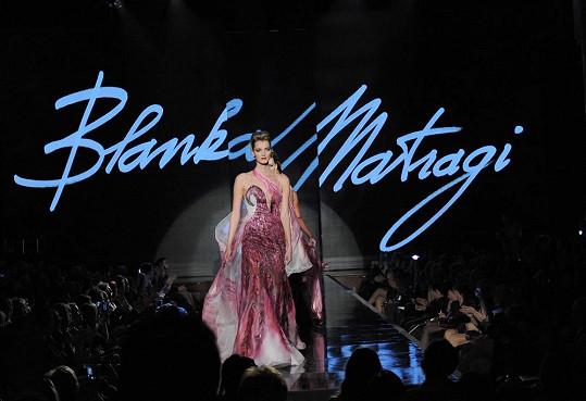 Topmodelka se stala hlavní hvězdou přehlídky Blanky Matragi.