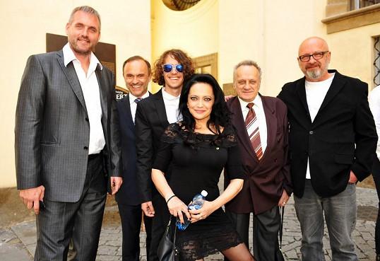 Lucie a její muži: partner Petr Makovička, bratr Karel Zaňák, syn Filip, otec Josef a bývalý partner a otec syna Petr Kratochvíl