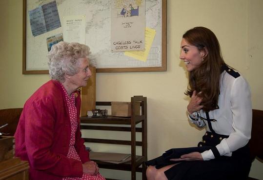 Kate si popovídala s válečnou veteránkou, která znala její babičku.