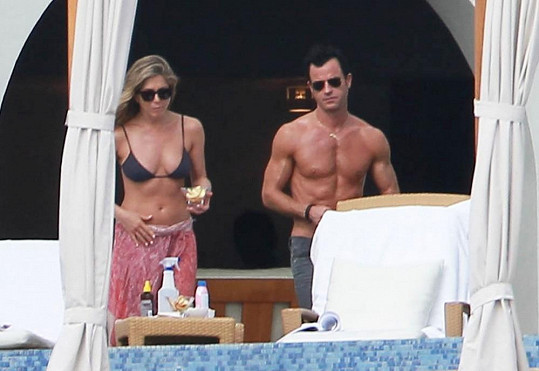 Jennifer s Justinem v Cabo San Lucas.