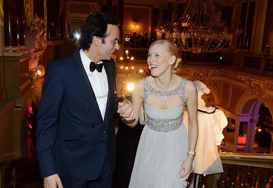 Starší bratr Anthony Delon byl před šesti lety hostem brněnského Plesu v Opeře.