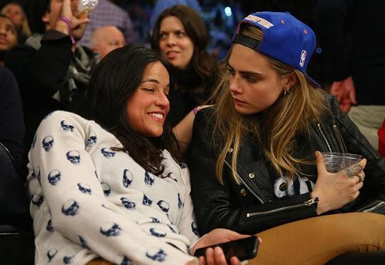Cara Delevingne si hledá náhradu za Michelle Rodriguez.