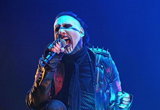 Marilyn Manson při koncertě.