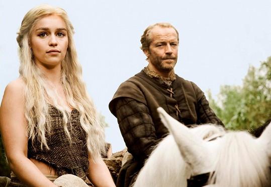 Emilia jako Daenerys Targeryen zvaná Khaleesi.