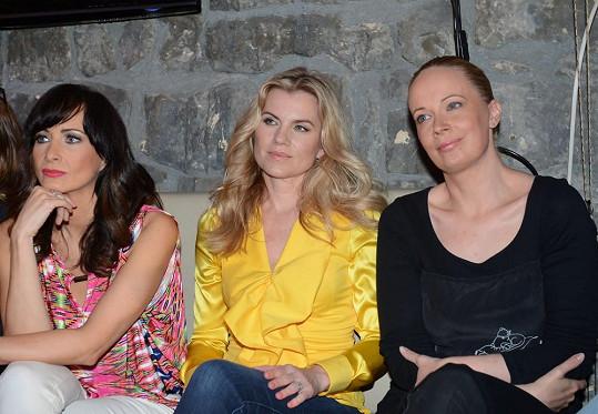 Alena s Danielou Šinkorovou a Leonou Machálkovou, s nimiž bude altrenovat roli Donny.