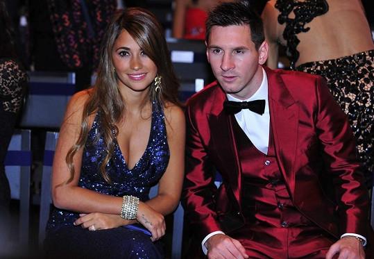 Antonella Roccuzzo je krásnou přítelkyní Lionela Messiho.